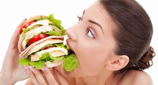https://lh5.googleusercontent.com/-qZPCP1Zbd_U/UsAyYSG3JII/AAAAAAAAB2Y/YoW6olzRKjc/fome-saciedade-comida-alimento1-650x350.jpg