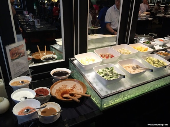 Cafe  M Hotel Lunch Buffet Review