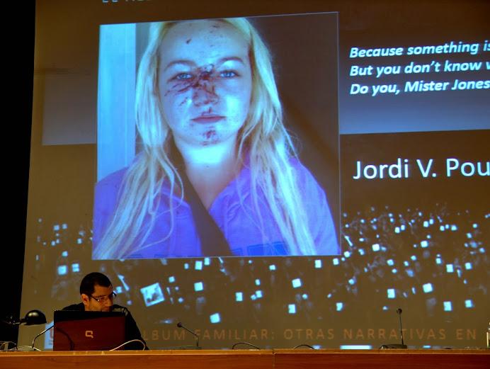 """Momento de la conferencia de Jordi V. Pou en el curso """"El álbum familiar: otras narrativas en los márgenes"""", Foto: Eduardo Tejera Torroja, 2013"""