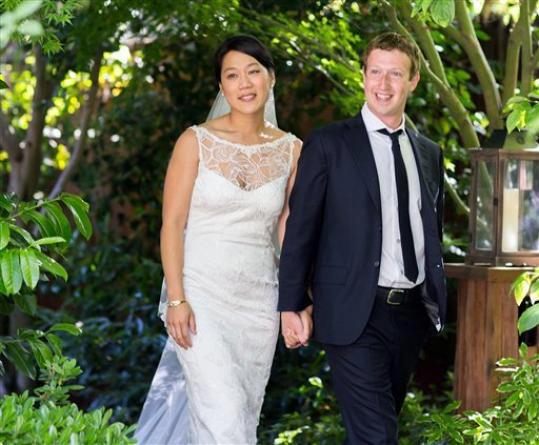 Mark Zuckerberg And his long Time Girl Friend Priscilla Chan Married