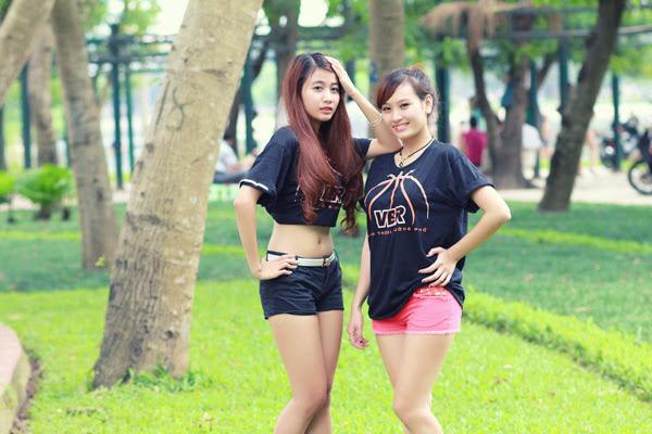 Thí sinh Miss Bóng Rổ khoe sắc tại công viên 15