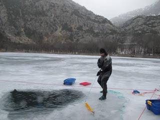 El responsable de superficie es el único que debe permanecer en la zona de seguridad durante la inmersión