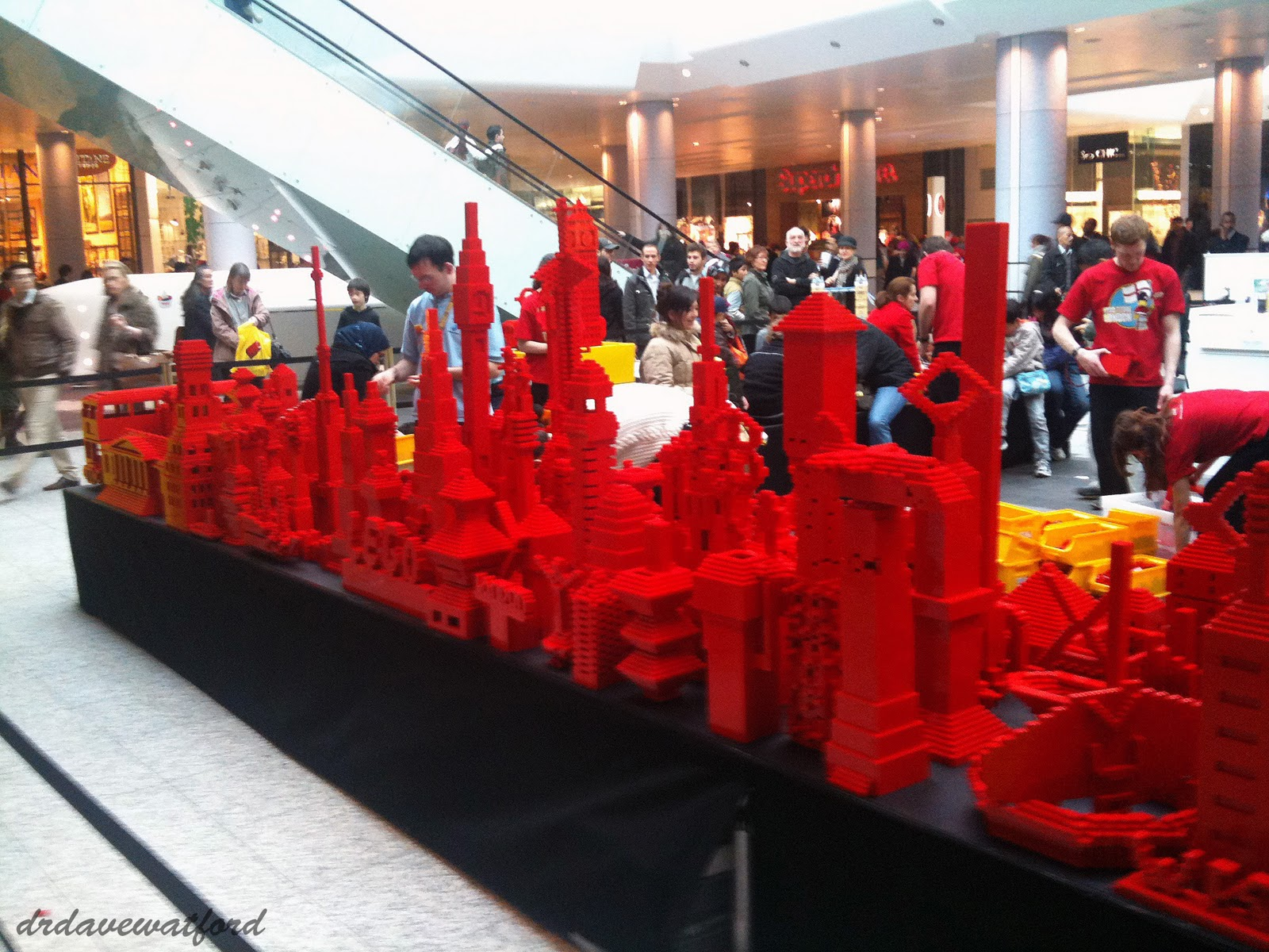 Gimme lego grand opening - Boutique lego londres ...