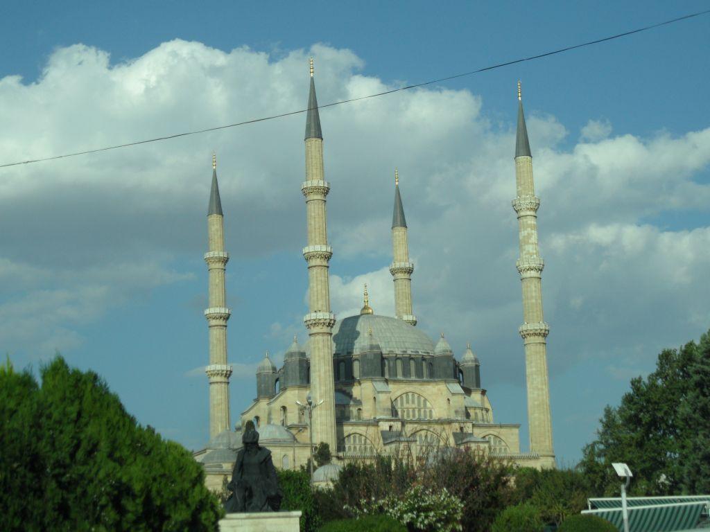Edirne Selimiye Camii ve Koca Sinan Heykeli