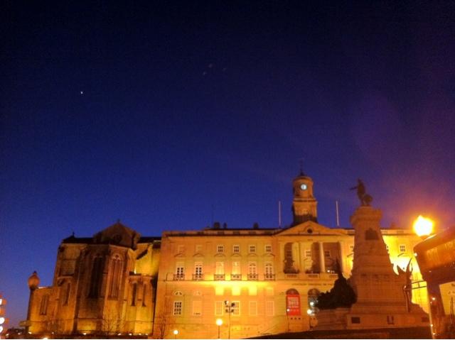 porto portugal noite ambiente de leitura carlos romero