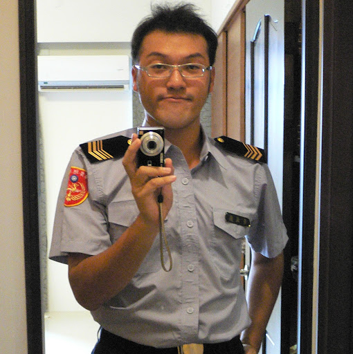 Tom Huang Photo 29