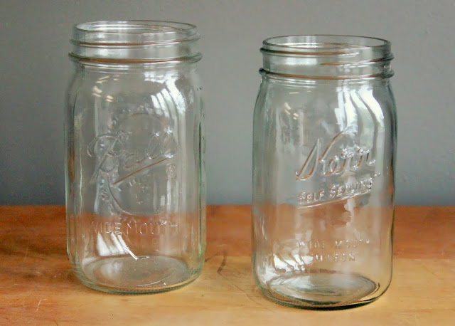 Quart-sized wide mouth mason jars available for rent from www.momentarilyyours.com, $1.00 each.