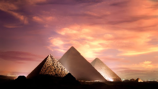 Pyramids at Giza, Egypt.jpg