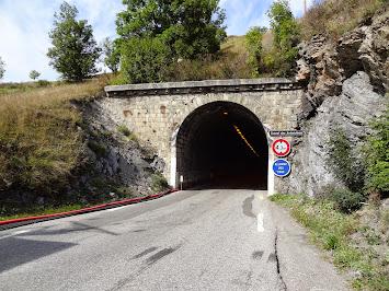 Entrée Est du tunnel des Ardoisières