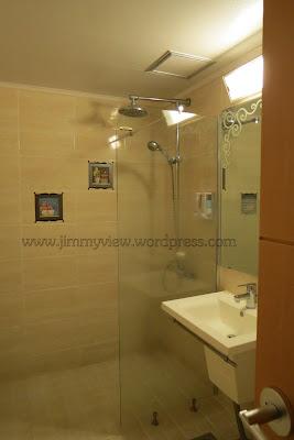 Goodstay December Hotel Toilet