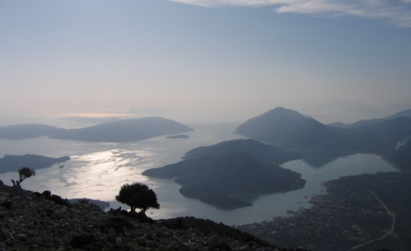 Wonderful views over Lefkada and the surrounding islands | Hiking in Lefkada