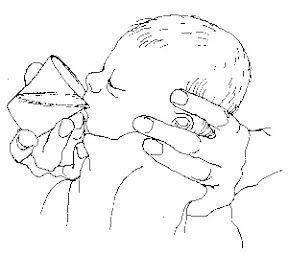 Bagi bayi hirup susu melalui cawan untuk tidak keliru puting