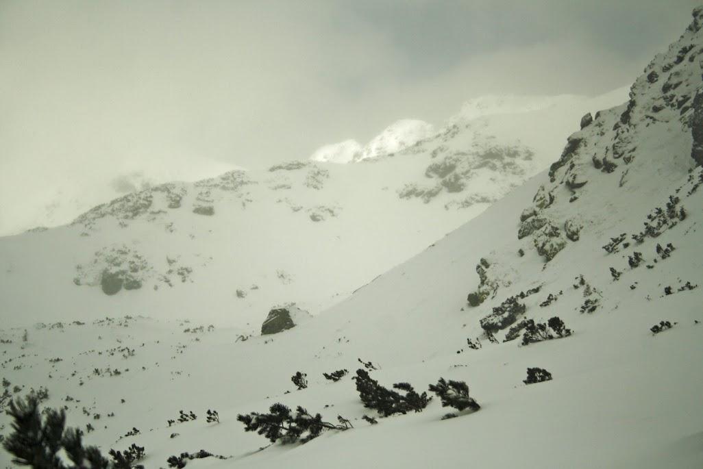 Szlak na Żarską Przełęcz zima