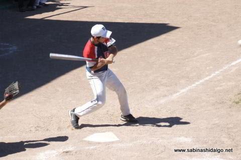 Gerardo Rodríguez de Amigos en el softbol dominical