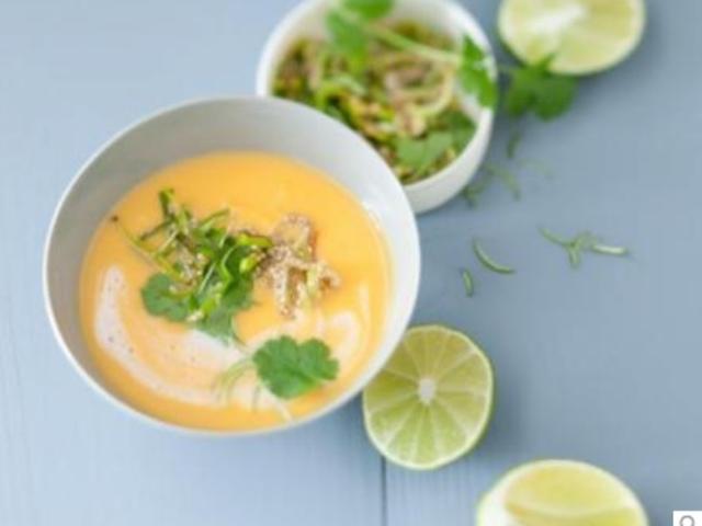 Kartoffel-Suppe mit Kokos und Limetten