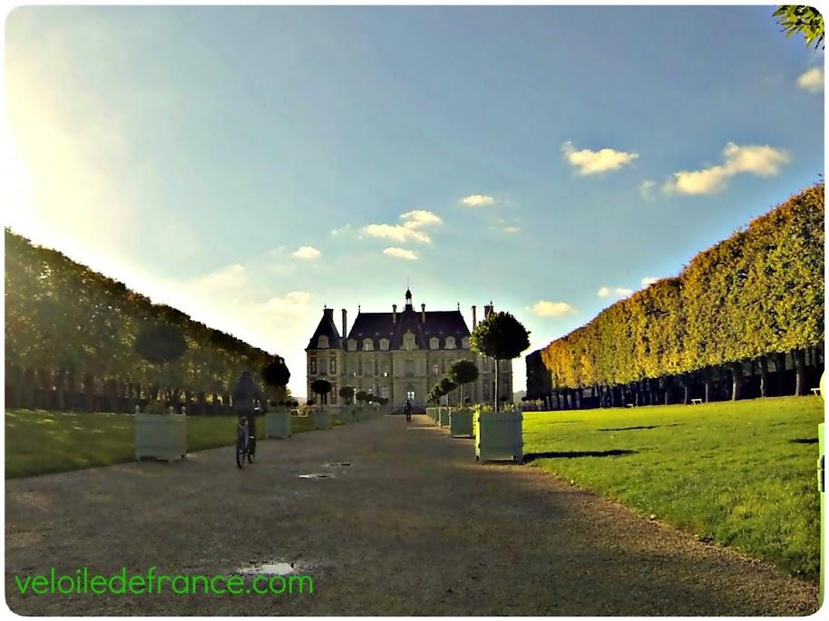 Le château du Parc de Sceaux - E-guide balade à vélo de Sceaux à Meudon par veloiledefrance.com