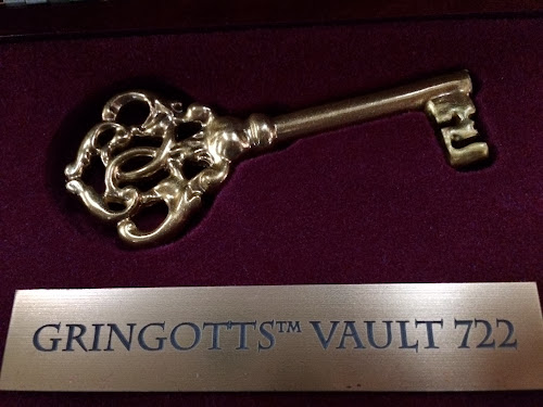 Universal Orlando Wizarding World of Harry Potter Diagon Alley construction Gringotts vault key photos