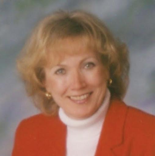 Lynn Warren