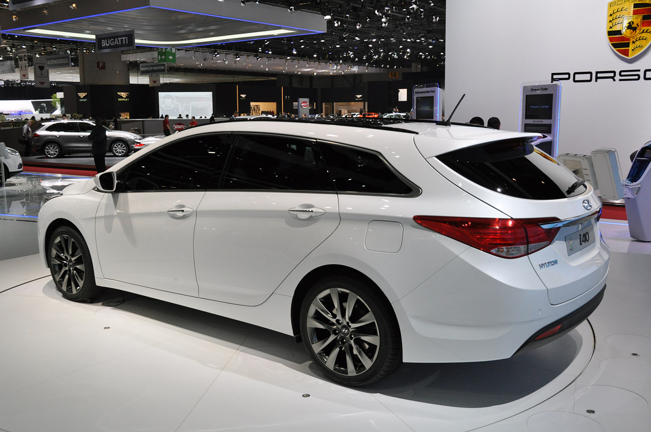 looks like a car geneva 2011 2012 hyundai i40 is a sonata wagon live pictures. Black Bedroom Furniture Sets. Home Design Ideas