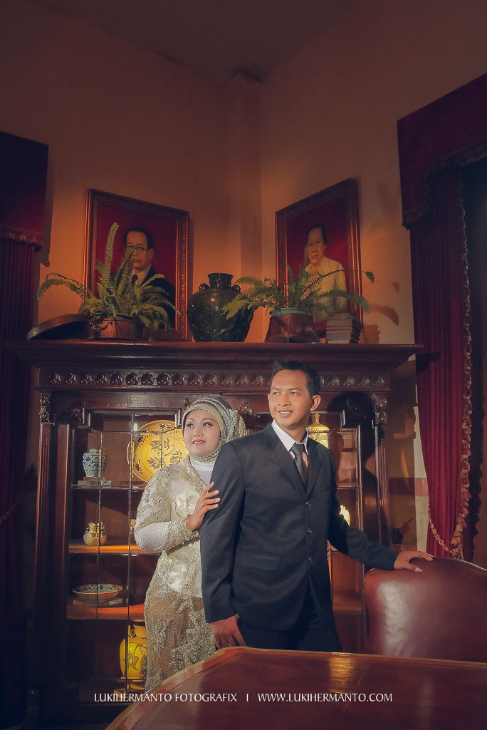 foto prewedding di house of sampoerna musium surabaya