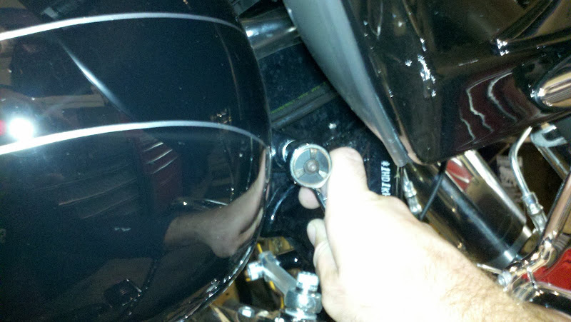Tank Lift   On the CHEAP!!! - Harley Davidson Forums: Harley