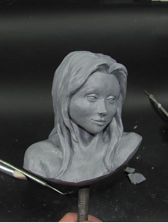 Busto Femenino Figura en Proceso
