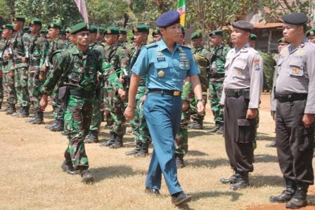 Berita terkait Tentara Manunggal Membangun Desa dan Alutista