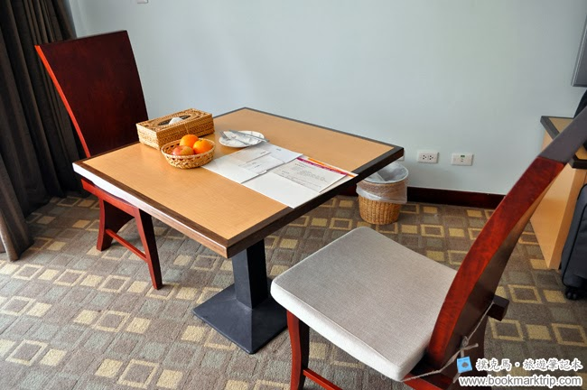 墾丁福華渡假飯店兩人餐桌