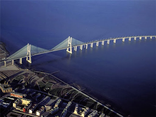 Мост Васко да Гама Лиссабон фото