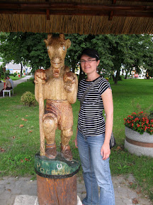 centrum Pacanowa - rzeźba Matołka