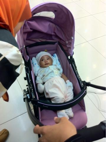 Review Stroller Combi Well Comfort 2012 | Shakina Farhan