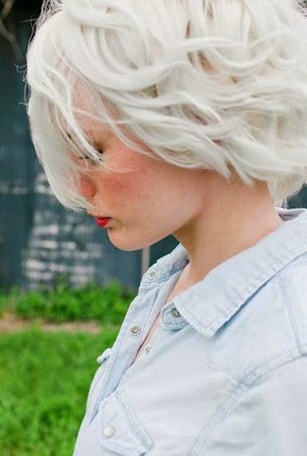 short hairstyles for blonde women