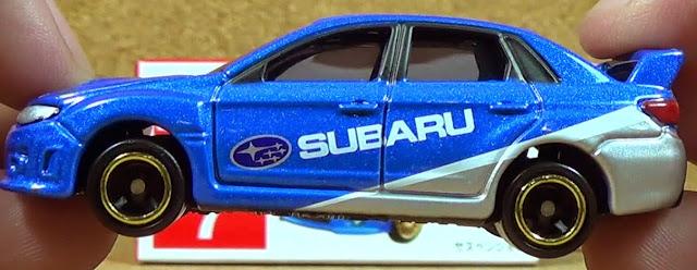 Tomica 7 Subaru Impreza WRX STI R4 được thiết kế theo tỉ lệ 1:67 từ chất liệu hợp kim an toàn