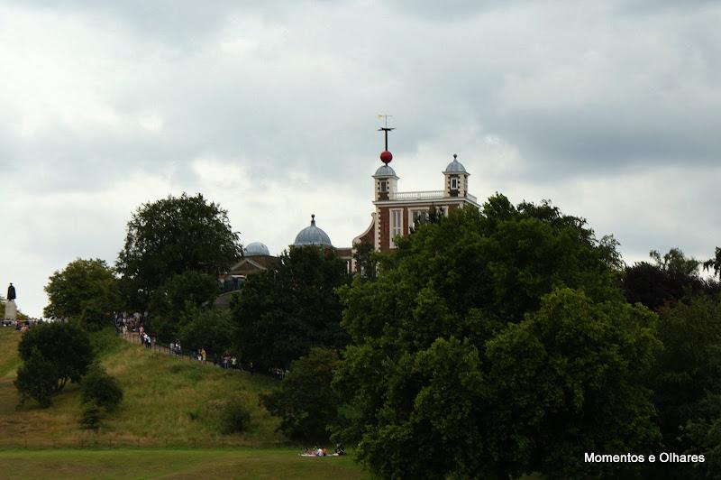 Pelo meridiano de Greenwich