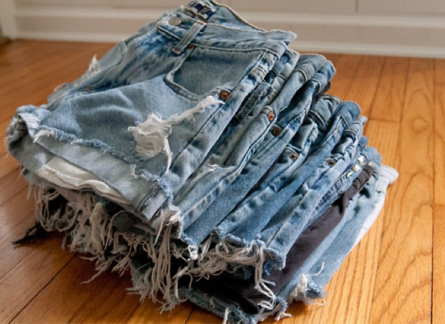 how to cut jeans into distressed shorts