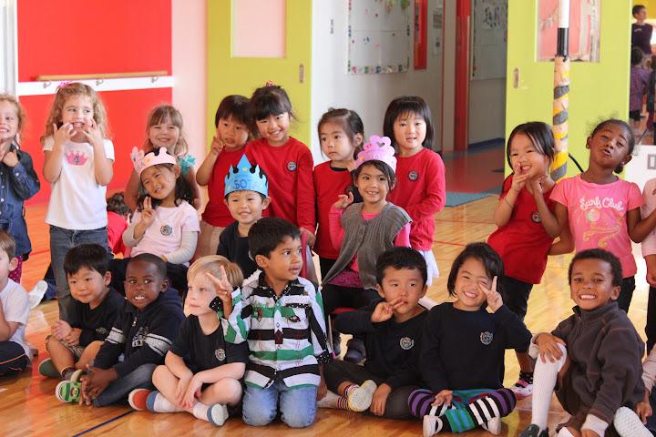 Azumi with her dear classmates