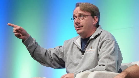 Linus Torvalds pide a los desarrolladores que vuelvan al trabajo