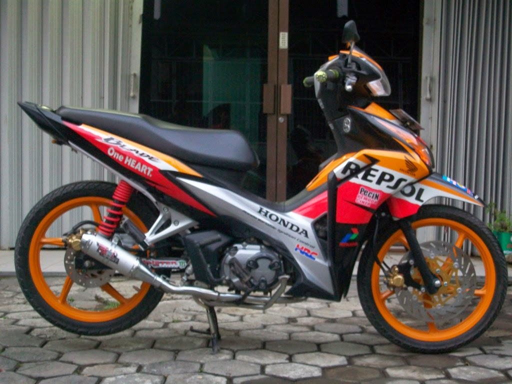 Modifikasi Motor Blade Repsol