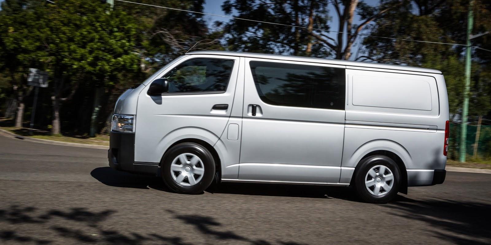Toyota HiAce 2016 là lựa chọn xe thương mại đích thực cho công ty, tổ chức