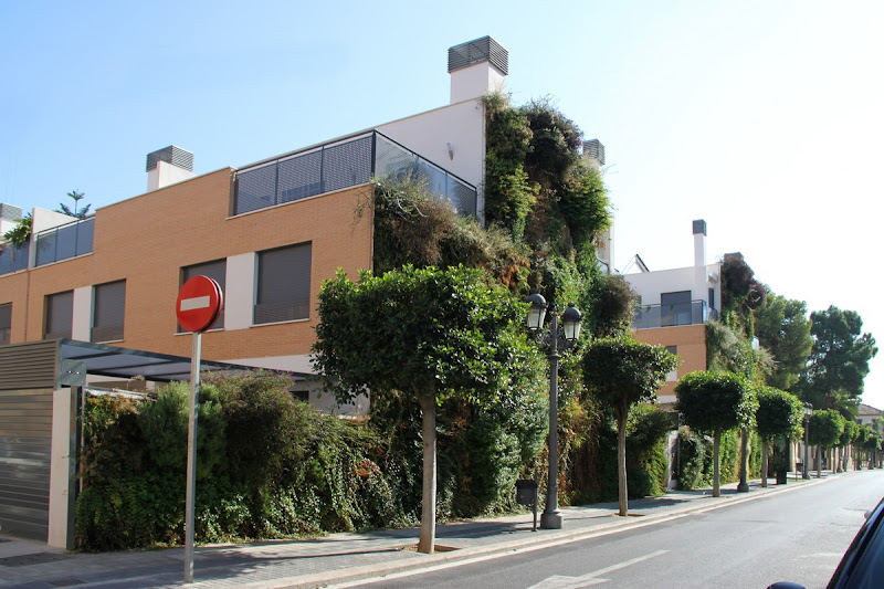 Jardín vertical en Paterna, Valencia.