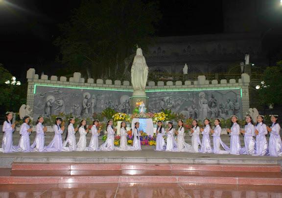 Kết thúc Tháng Hoa tại Giáo xứ Chánh Tòa – Giáo phận Nha Trang.