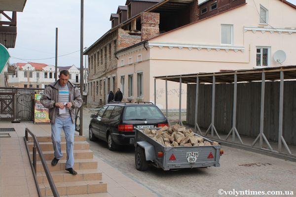 Вивіз історичної цегли з території ДІКЗ 12.04.2012 р.