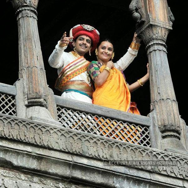 Alok Rajwade and Parna Pethe during their visit to Shaniwar Wada to promote their film in Pune.