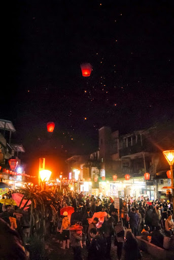Release a sky lantern! From 9 Unique Bucket List Experiences in Taiwan