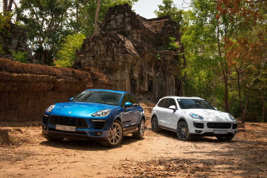 """Hành trình đi về """"cổ đại"""" cùng Macan và Cayenne của Porsche"""
