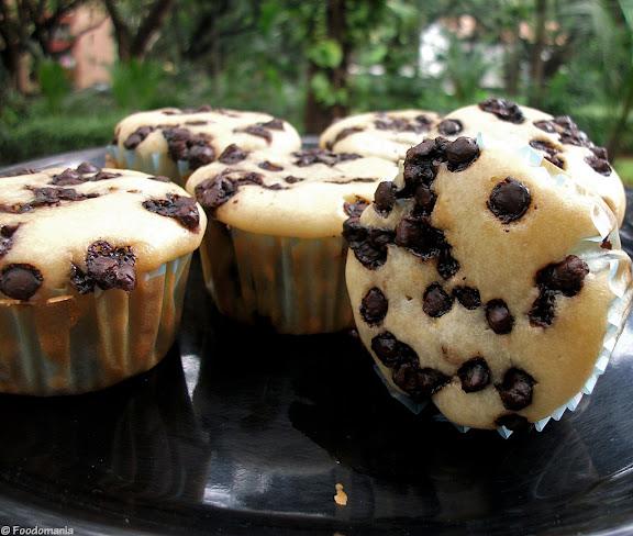 Vanilla Chocolate Chip Muffins Recipe