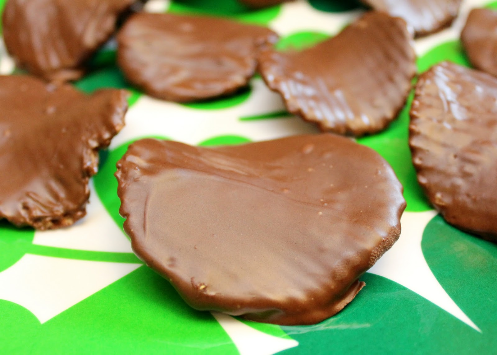 Chocolate Covered Potato Chips - Recipe Snobs