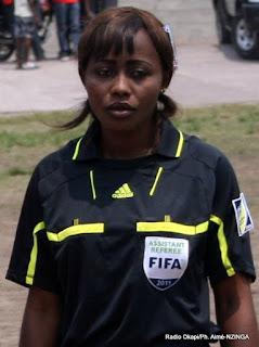 L'arbitre congolaise Marthe Sakobo Ph Fecofa.cd