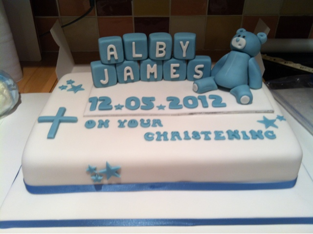 THAT GUY WHO MAKES CAKES Christening Bear