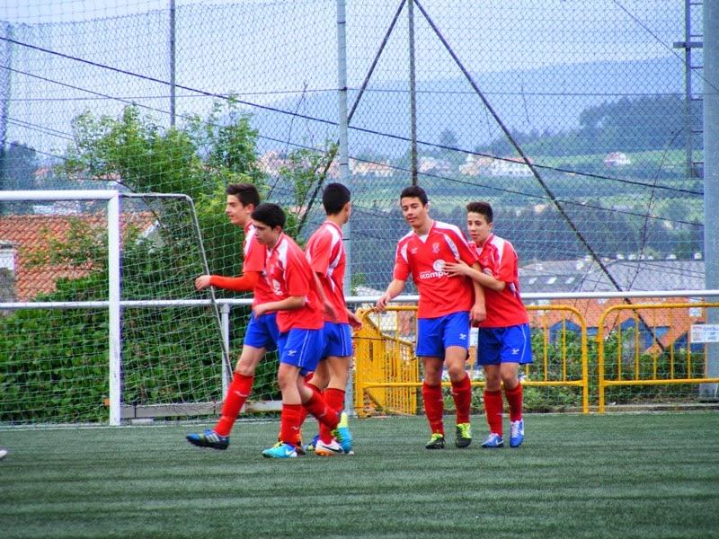 Numancia de Ares, os cadetes celebrando un gol.